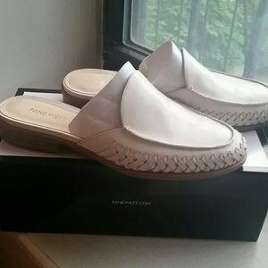 Nest West Cream/ Off White Sandals